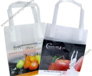 Tri-fold handle bags for food contact